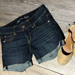 WOMEN'S AMERICAN EAGLE SHORTS SIZE 0 STRETCH